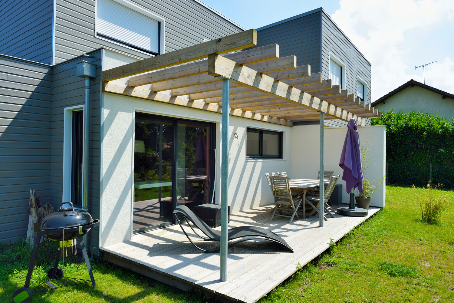 Maisons mitoyennes lab lis es thpe construction de for Amenagement terrasse maison